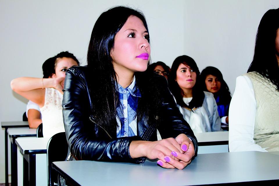ludzie-na-lekcji-kursy-jezyka-angielskiego